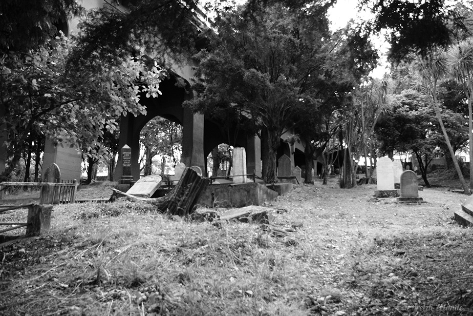 symonds-cemetery-B&W2