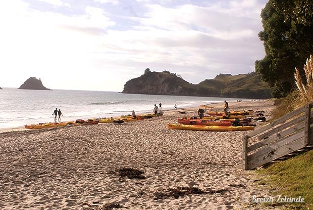 Rando en kayak sur Cathedral Cove