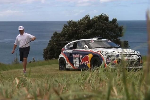 Golf et voiture de course